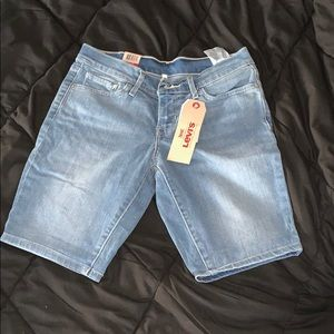 LEVI's. Jean. Bermuda. Shorts